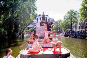 Pronklust verzorgde de boot van het Aids Fonds - canalparade 2016